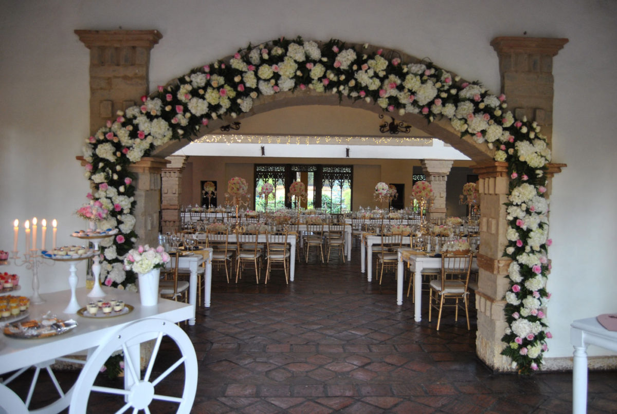 wedding flowers, remanso del rio, flores de boda, wedding planner, decoracion, boda, arco de flores